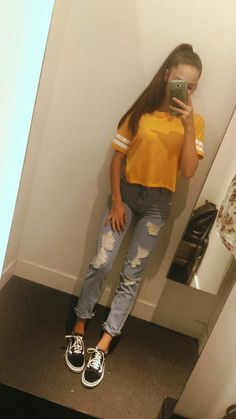 Yellow shirt, ripped jeans and vans oldskool such a basic style
