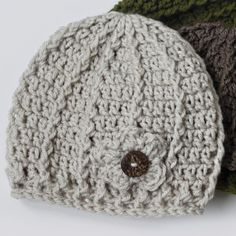 This free crochet hat design is available in three sizes and can easily be customized to feature a crochet flower & button. thanks so for sharing xoxo