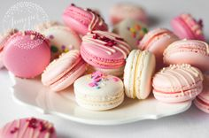Lots of lovely pink macarons by Juniper Cakery