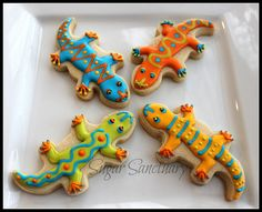 Link has SO many beautiful cookies. Reptiles, Lizards, Snakes, Royal Icing Cookies, Sugar Cookies, Lizard Cake, Animal Themed Food, Snake Cakes, Snake Party