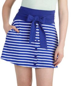 Skirt: Notice centre seam with buttons Whole colour contrast band
