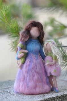 Nadel Filz Waldorf-Mutter und zwei Kinder-stehend Puppe-Soft Skulptur--Nadelfilz von Daria Lvovsky-kundenspezifisch konfektioniert on Etsy, 64,88€