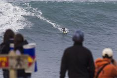 Descobrindo Portugal: Parte VI Surfando na Nazaré Via Red Bull Brasil | 27 Outubro 2013  Sempre há algo para aprender com o bicampeão mundial, Carlos Burle