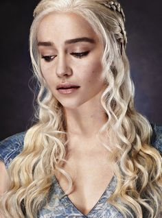 Emilia Clarke as Daenerys Targaryen in Game of Thrones (TV Series, Entertainment Weekly, Pll, The Mother Of Dragons, Emilia Clarke Daenerys Targaryen, Game Of Thrones Funny, Got Memes, Femmes Les Plus Sexy, My Sun And Stars, Wattpad