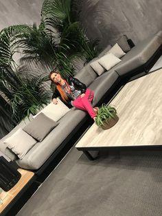 Я создаю Шедевры интерьеров Luxury Furniture, Outdoor Furniture, Outdoor Decor, Interior Design Studio, Home Renovation, Home Organization, Home Kitchens, Home Furnishings, Planters