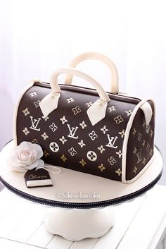 DESIGNER CAKE> This girl can really ice cakes! LV cake by Bake-a-boo Cakes NZ, via Flickr