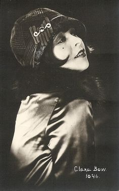 Clara Bow, the original IT girl <3