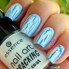 Catrice Ultimate Nail Lacquer, 875 All I Can Blue + Essence Nail Art Cracking Top Coat, 02 Crack Me! White