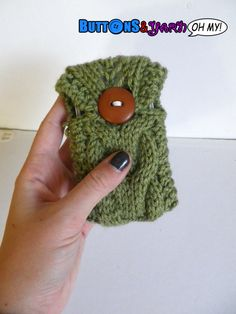 Green Cable Knit iPhone 4 Case  Phone Cozy  by ButtonsandYarnOhMy, $10.00