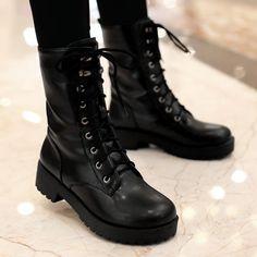 New fashion lace up marten boots from Cute Kawaii {harajuku fashion} New Fashion Schnürstiefel Marder – Thumbnail 2 Harajuku Mode, Harajuku Fashion, New Fashion, Fashion Models, Fashion Shoes, Fashion Online, Girl Fashion, Black Combat Boots, Mid Calf Boots