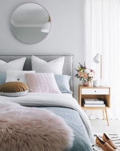 Scandinavian Bedroom Design Scandinavian style is one of the most popular styles of interior design. Although it will work in any room, especially well . Home Decor Bedroom, Bedroom Furniture, Bedroom Ideas, Bedroom Designs, Bedroom Interiors, Bedroom Inspo, Furniture Ideas, Calm Bedroom, Bedroom Corner
