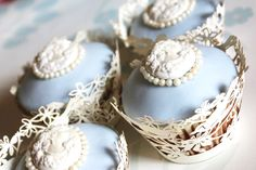Wedgewood Blue Cameo Cupcakes <3