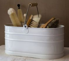 Enamel utility bucket. Lovely and no plastic! #plasticfreetuesday.com