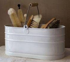 Enamel utility bucket. Lovely and no plastic! #plasticfreetuesday.com