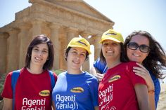 Sicilia 2011 Anno 2011; mese di maggio. In Sicilia sbarca un nutrito gruppo di agenti di viaggio.