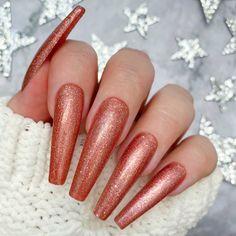 A dreamy rose gold glitter gel polish. 2 Coat Application. Nails by Fie Pedersen. Glitter Gel Polish, Gel Nail Polish, Hot Toddy, Nail Art, Rose Gold Glitter, Sparkle, Create, Nails, Beauty