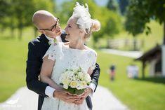 Hochzeit Winterstellgut Annaberg - Nina & Jürgen - Foto Sulzer Blog Winter, Crown, Wedding Dresses, Blog, Fashion, Pictures, Engagement, Winter Time, Bride Dresses