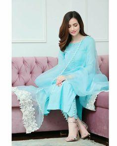 Fashion Tips Dresses .Fashion Tips Dresses Designer Party Wear Dresses, Kurti Designs Party Wear, Indian Designer Outfits, Designer Punjabi Suits, Pakistani Designers, Stylish Dresses For Girls, Stylish Dress Designs, Stylish Girl, Simple Dresses