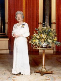Elizabeth II, Queen of Australia - Category:Girls of Great Britain and Ireland Tiara - Wikimedia Commons Hm The Queen, Her Majesty The Queen, Save The Queen, Royal Uk, Royal King, Sussex, Elisabeth, Queen Mother, Portraits
