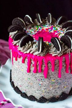 This Birthday Cake Oreo Cake screams PARTY! Dark chocolate and Funfetti Oreo cake, frosted with birthday cake Oreo frosting and drizzled with pink ganache. Oreo Cake Pops, Oreo Frosting, Chocolate Oreo Cake, Oreo Cookie Cake, 20 Birthday Cake, Birthday Desserts, Birthday Cake Recipes, Apple Birthday, Birthday Cakes For Teens