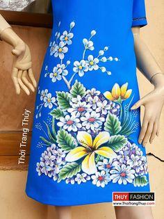 Váy vẽ tay họa tiết hoa dáng váy suông V371 Thời Trang Thủy Fabric Painting On Clothes, Dress Painting, Painted Clothes, Diy And Crafts, Arts And Crafts, Hand Painted Dress, Paper Quilling, Acrylic Art, Paint Designs