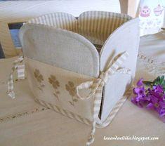 Creazioni a tutto tondo portatutto patchwork cestino for Scatole rivestite in stoffa tutorial