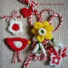 мартеници от вълна за ръка - Google Търсене Baba Marta, Bulgaria, Crochet Earrings, Traditional, Handmade Gifts, Google, Crafts, Diy, Handcrafted Gifts