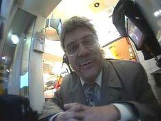 Horst Schlämmer bei McDonalds Kann nicht mehr vor lachen.