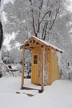 #photofy #photofyapp #outhouse #snow #mcglynnfarm Mc G, Organic Lifestyle, Farm Life, Sunrise, House Styles, Snow, Beautiful, Instagram, Sunrises