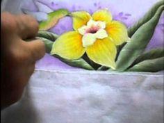 Pintando - Beija Flor e Lírio - No Tecido - YouTube