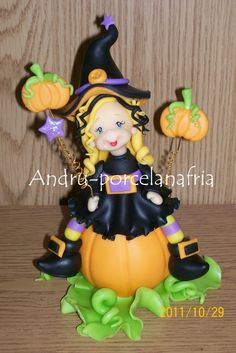 Andru Artesanías en Porcelana Fría Polymer Clay Halloween, Polymer Clay Dolls, Halloween 2, Makeup Crafts, Fondant Figures, Sculpture Clay, Cold Porcelain, Clay Crafts, Projects To Try