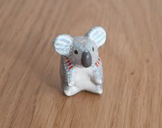 Hey, I found this really awesome Etsy listing at https://www.etsy.com/listing/190670317/cute-koala-animal-totem-polymer-clay