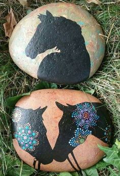 Painted rock animals - 99 Marvelous Diy Projects Painted Rocks Animals Horse Ideas For Summer – Painted rock animals Pebble Painting, Pebble Art, Stone Painting, Diy Painting, Rock Painting Patterns, Rock Painting Ideas Easy, Rock Painting Designs, Painted Rock Animals, Painted Rocks Kids