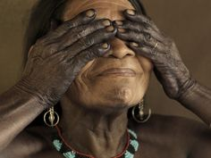 Tribal body-painting in Colombia - Piers Calvert - exhibition in Bogota. Tribal Body Paint, Terry O Neill, Pictures Of People, Documentary Photography, People Of The World, Interesting Faces, Photojournalism, Body Painting, Portrait Photography