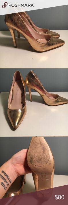 Aldo Gold Pumps Gorgeous gold heels. Worn once, slip resisters on ball of foot, as pictured. Aldo Shoes Heels