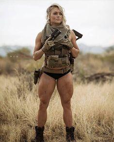 Girl with a Weapon harry teen Military girl . Women in the military . Women with guns . Girls with weapons Mädchen In Uniform, Look Rockabilly, Female Soldier, Army Soldier, Military Girl, Military Women, Badass Women, Tactical Gear, Muscle Girls