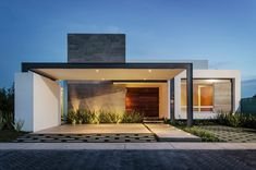 Awesome Casas Modernas Casa Moderna Un Piso Design Ideas for Your Home Decorating and Home Remodeling of The Years Residential Architecture, Contemporary Architecture, Architecture Design, Modern Contemporary, Modern Exterior, Exterior Design, House Ideas, One Story Homes, Facade House