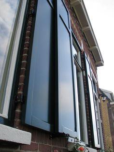met vlakke panelen en een tussendorpel Blinds, Curtains, Home Decor, Decoration Home, Room Decor, Shades Blinds, Blind, Draping, Home Interior Design
