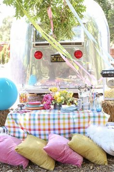A Colorful Carnival Dinner Party / Entertaining Ideas / Easy Party Ideas / Theme Dinner Party