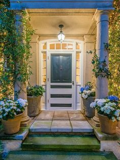 The front door of Jessica Simpson's former Beverly Hills home