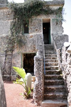 The Mystery of Coral Castle....Edward Leedskalnin
