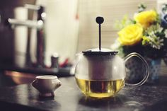 Green Tea Pros and Cons for Everyone! Tea normally comes in many types. Green tea is one among them. It is considered to be one hell of a natural energetic drink.