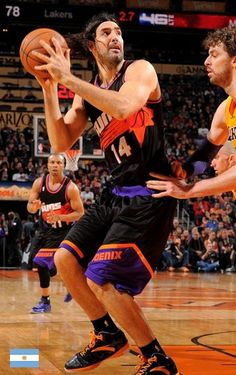 Luis Scola and the Phoenix Suns debuted their black retro jerseys in a win over the Lakers on Jan. Basketball Legends, Basketball Teams, Basketball Court, Western Conference, Phoenix Suns, Kyrie Irving, Sports Photos, All Star, Stars