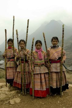 Flower Hmong Children of Vietnam by DarrenWilch, via Flickr