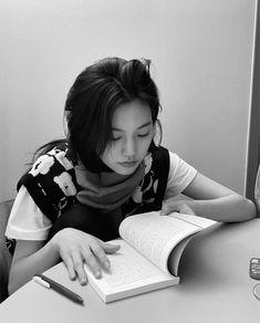 •Kim Doyeon | fashion, kpop y aesthetic