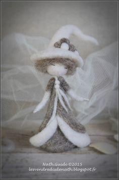 Statuette en laine cardée feutrée, esprit de fée, couleurs naturelles-n°1 : Accessoires de maison par les-vendredis-de-nath