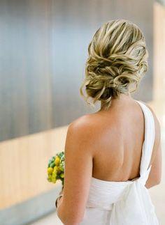 Romantic bridal updo / En güzel Gelin Saçları | KM Events Corporate Blog