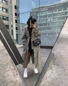 Discovered by Find images and videos about fashion, outfit and look on We Heart It - the app to get lost in what you love. 70s Fashion, Grunge Fashion, Look Fashion, Korean Fashion, Vintage Fashion, Fashion Outfits, Queer Fashion, Fashion Tips, Trendy Outfits