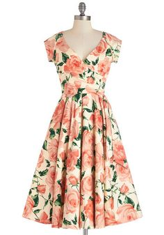 Soo many cute dresses at this site!!