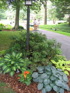 https://flic.kr/p/gL931 | 1506 Larry Avenue lamppost garden